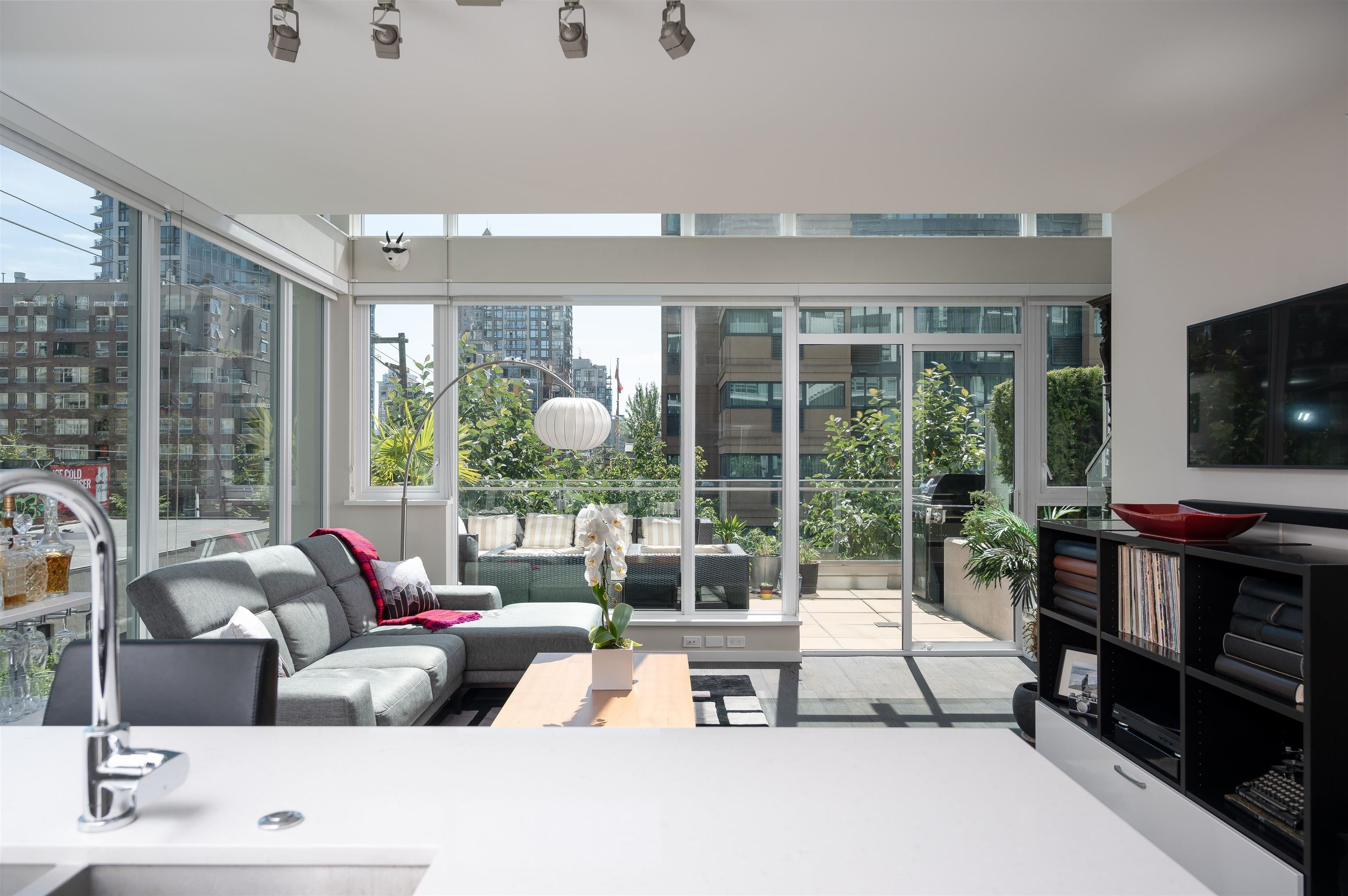 306 1351 CONTINENTAL STREET - Downtown VW Apartment/Condo for sale, 2 Bedrooms (R2617899) - #3