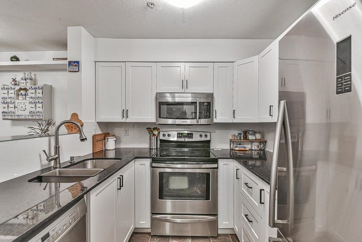 102 2401 HAWTHORNE AVENUE - Central Pt Coquitlam Apartment/Condo for sale, 2 Bedrooms (R2617974)