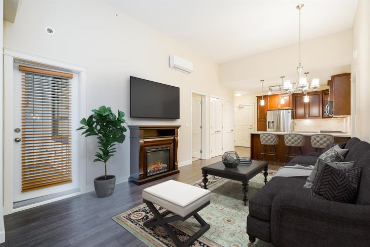 504 3585 146A STREET - King George Corridor Apartment/Condo for sale, 2 Bedrooms (R2618066)