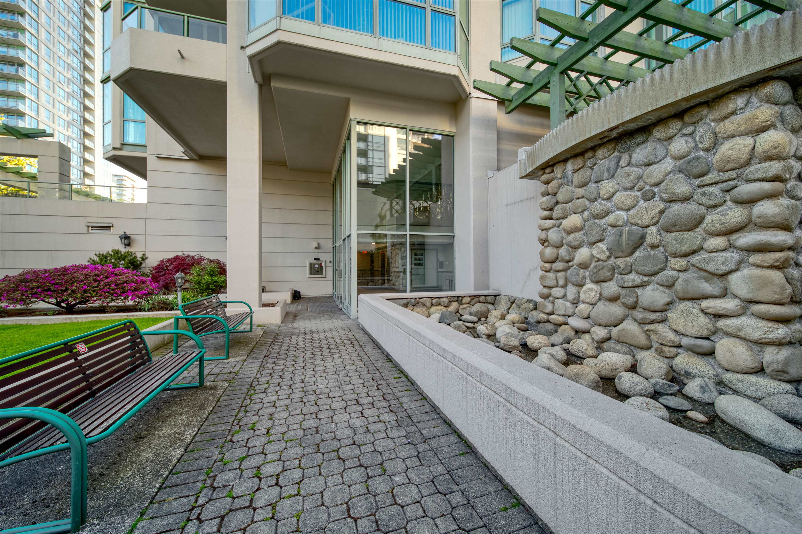 303 140 E 14TH STREET - Central Lonsdale Apartment/Condo for sale, 1 Bedroom (R2618094) - #2