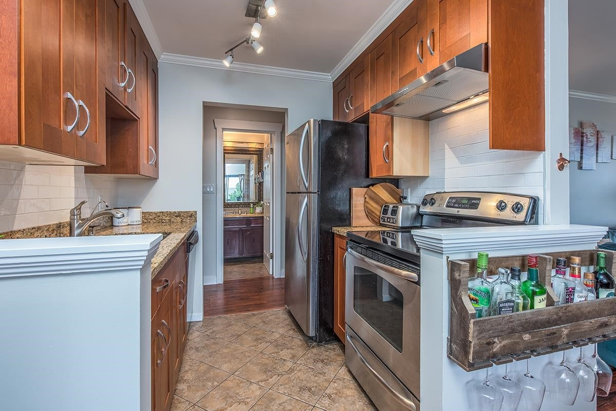 306 306 W 1ST STREET - Lower Lonsdale Apartment/Condo for sale, 2 Bedrooms (R2618100) - #7