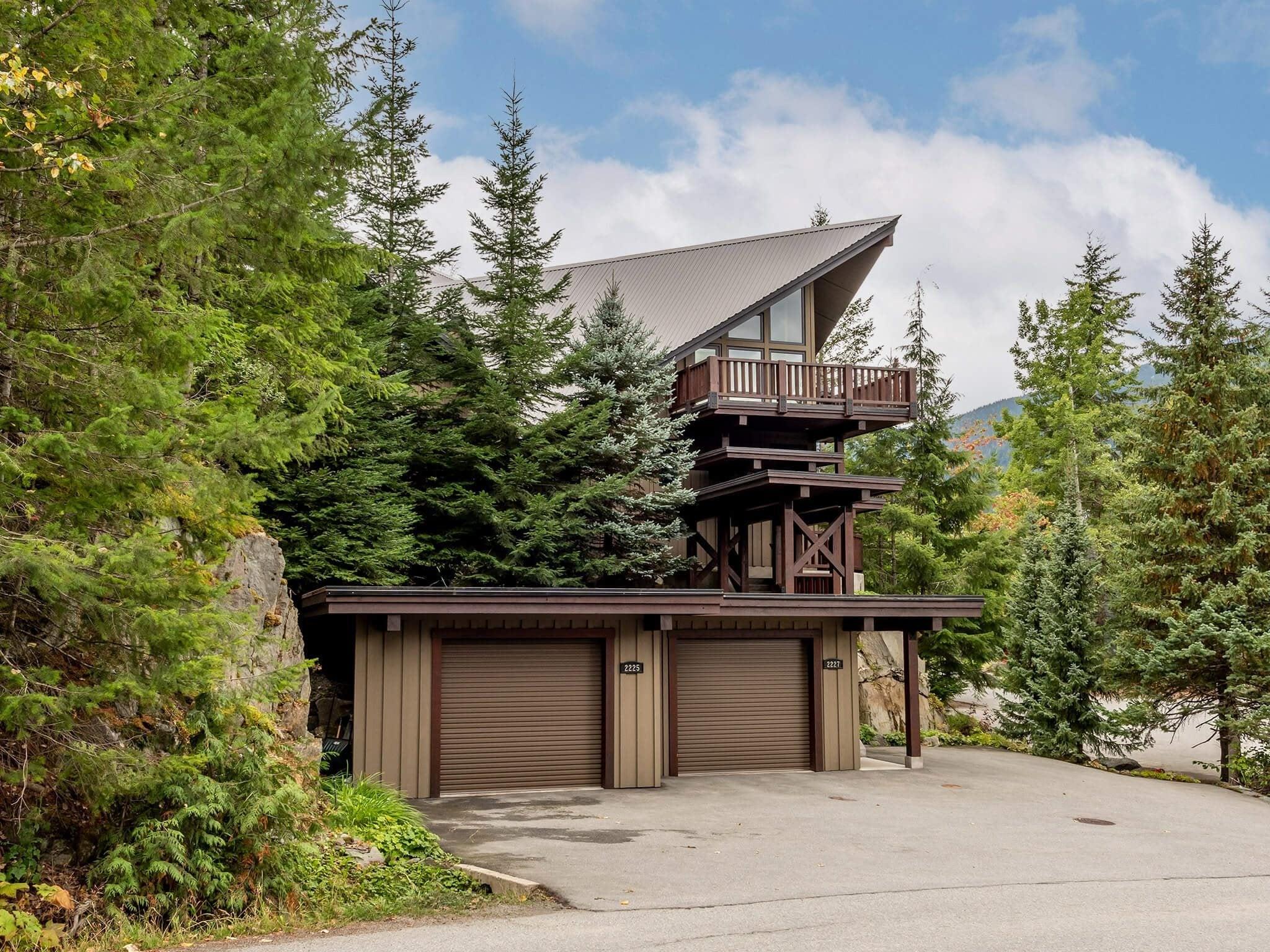 2227 GONDOLA WAY - Whistler Creek 1/2 Duplex for sale, 3 Bedrooms (R2618204)