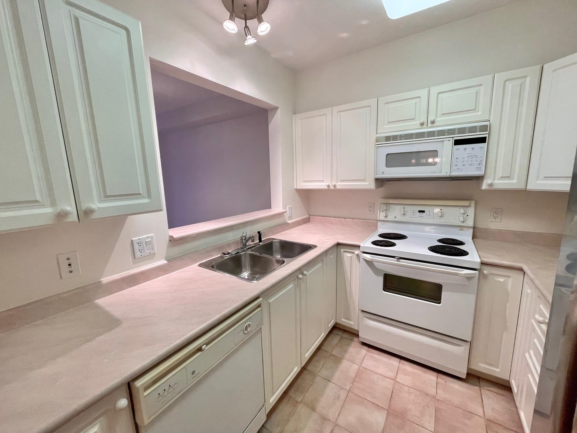 307 2059 CHESTERFIELD AVENUE - Central Lonsdale Apartment/Condo for sale, 1 Bedroom (R2618308) - #7