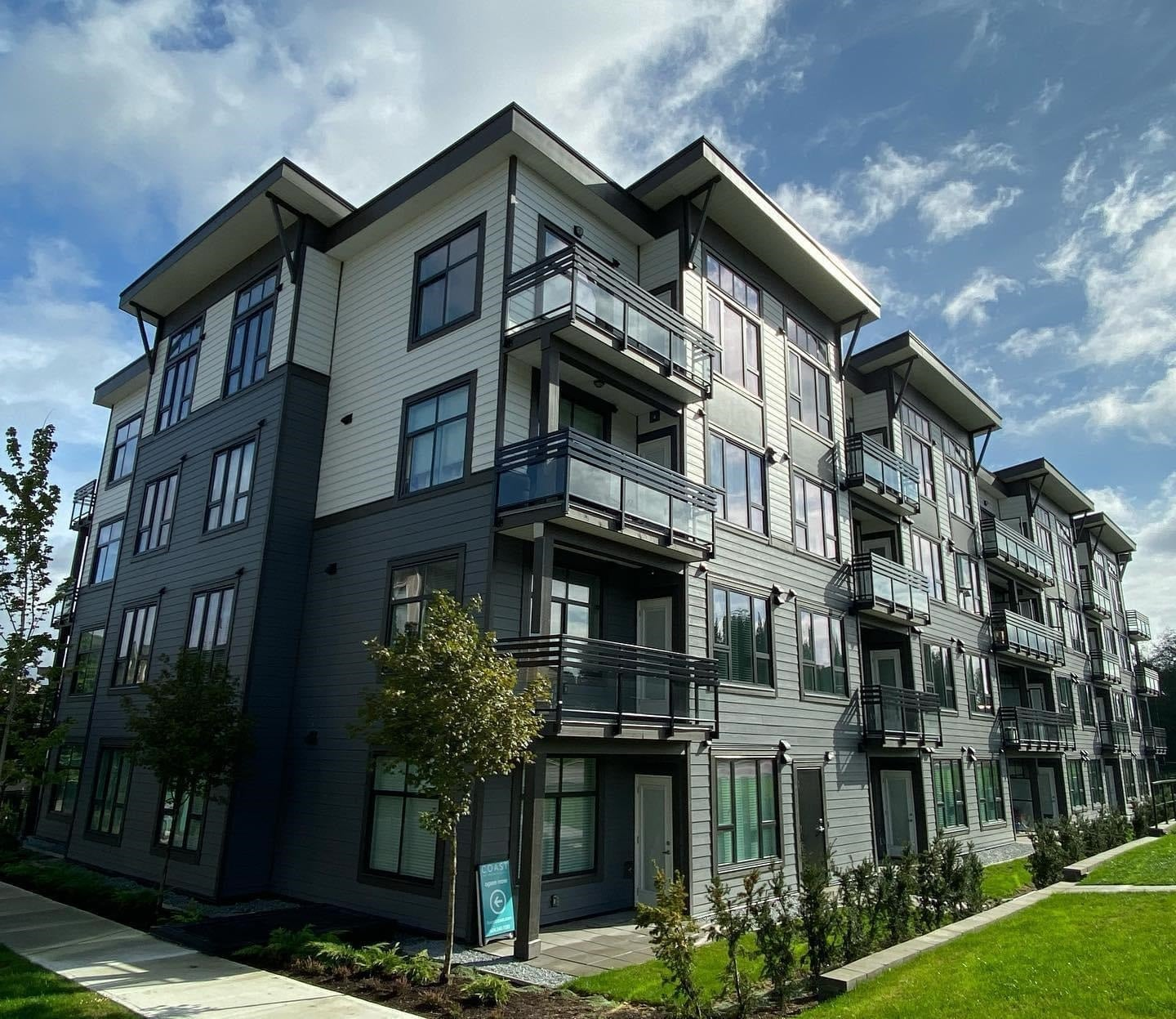 302 9983 BARNSTON DRIVE - Fraser Heights Apartment/Condo for sale, 1 Bedroom (R2618823)