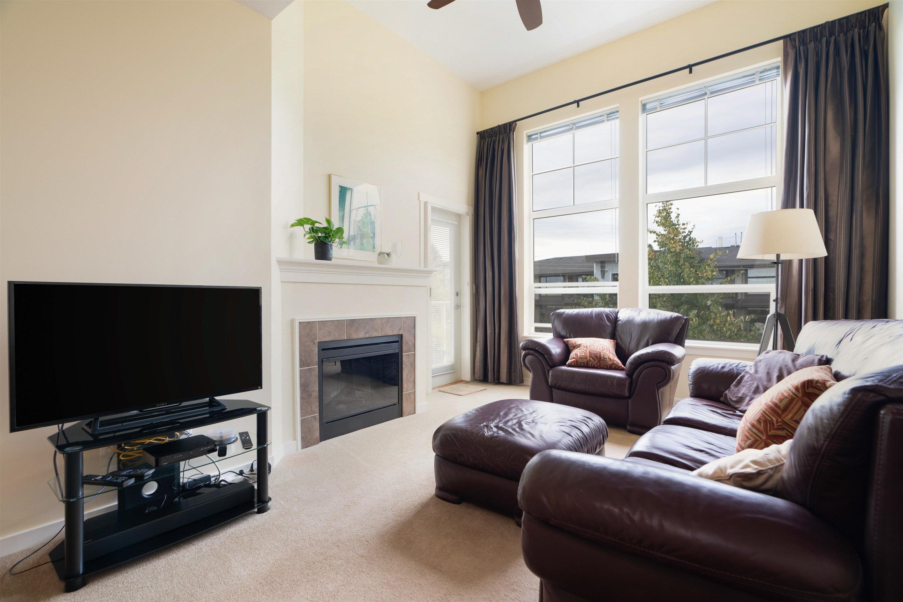 403 15299 17A AVENUE - King George Corridor Apartment/Condo for sale, 2 Bedrooms (R2618833)