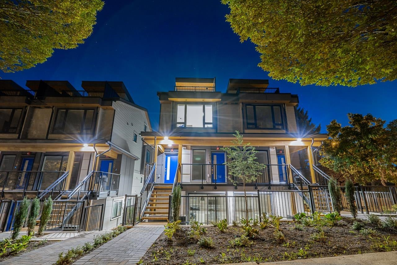 4742 DUCHESS STREET - Collingwood VE Townhouse for sale, 3 Bedrooms (R2619037) - #1