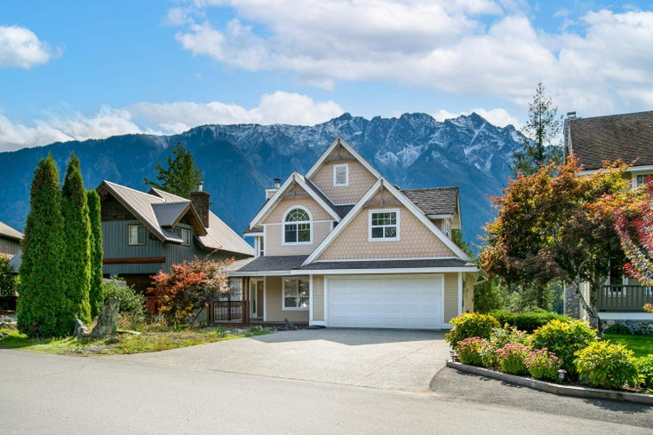 1723 PINEWOOD DRIVE - Pemberton House/Single Family for sale, 4 Bedrooms (R2619039)