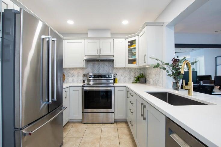 302 4770 52A STREET - Delta Manor Apartment/Condo for sale, 2 Bedrooms (R2619047)