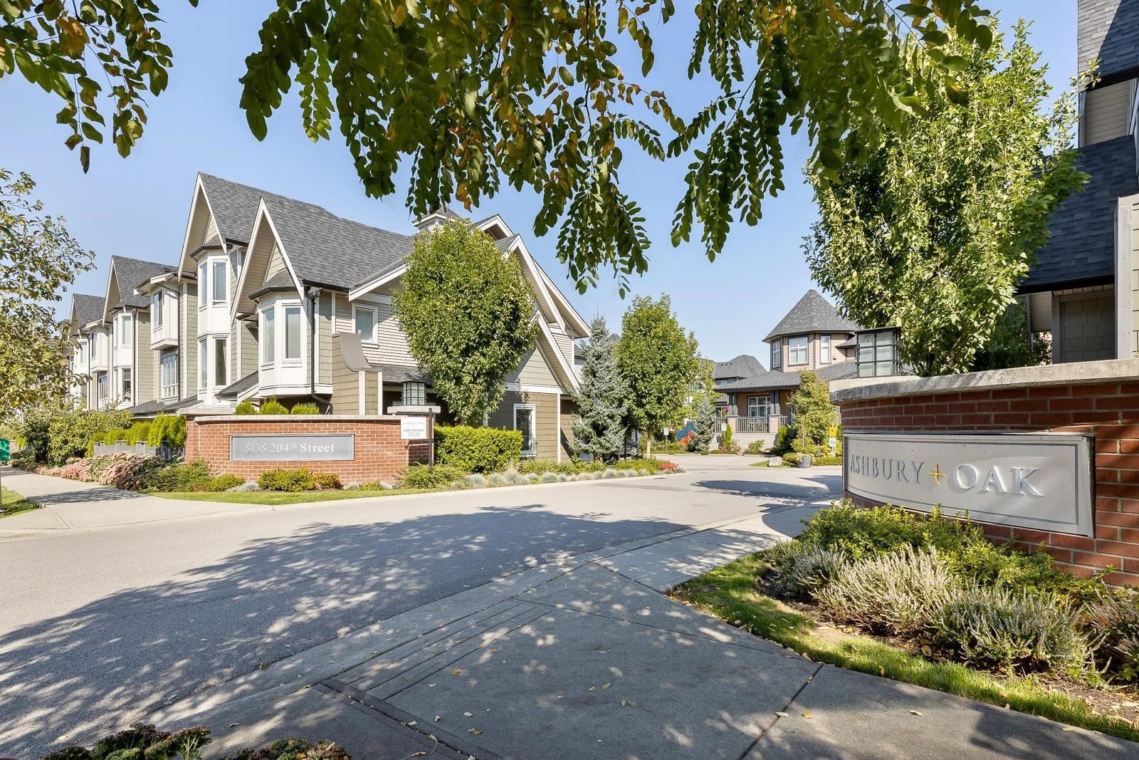 153 8138 204 STREET - Willoughby Heights Townhouse for sale, 2 Bedrooms (R2619088) - #1