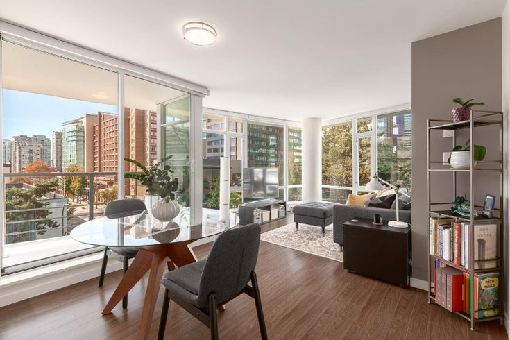 607 161 W GEORGIA STREET - Downtown VW Apartment/Condo for sale, 2 Bedrooms (R2619102)
