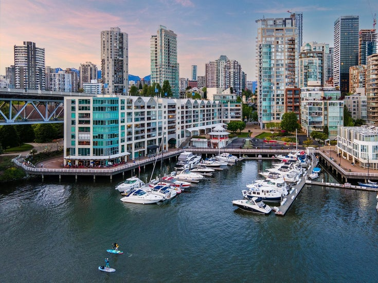 1402 1000 BEACH AVENUE - Yaletown Apartment/Condo for sale, 2 Bedrooms (R2619281)