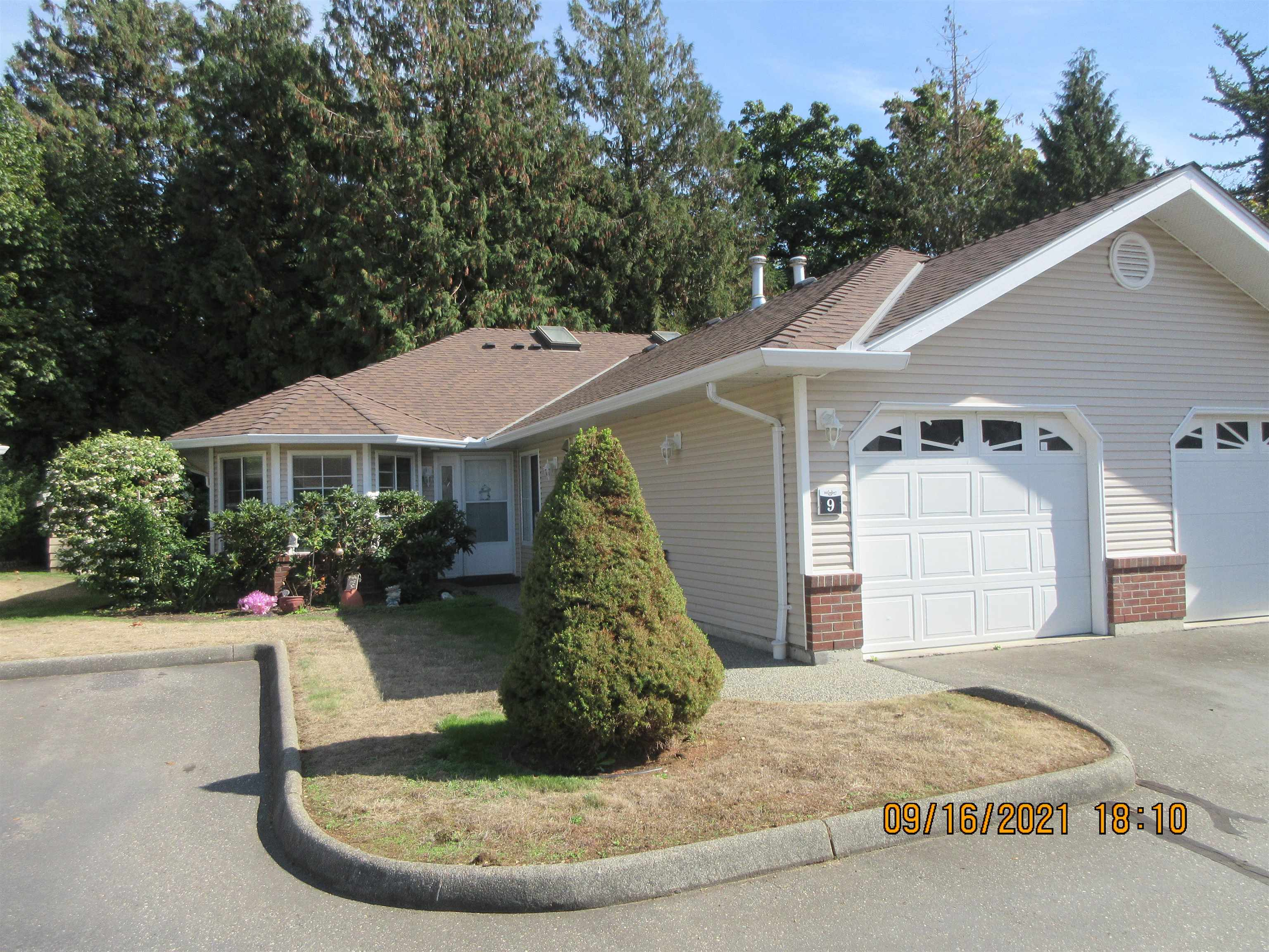 9 1973 WINFIELD DRIVE - Abbotsford East Townhouse for sale, 2 Bedrooms (R2619299) - #1