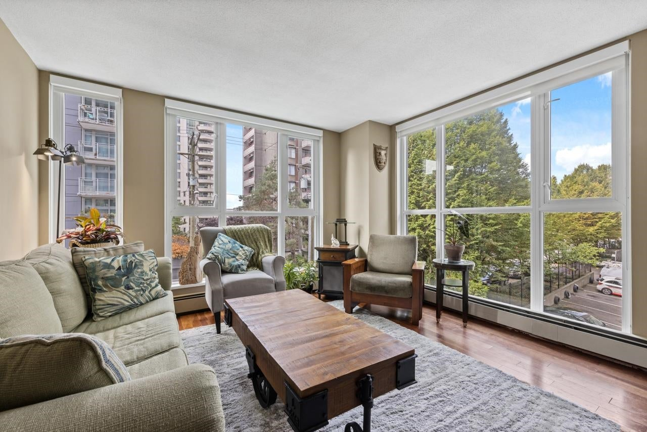302 1010 BURNABY STREET - West End VW Apartment/Condo for sale, 1 Bedroom (R2619302)