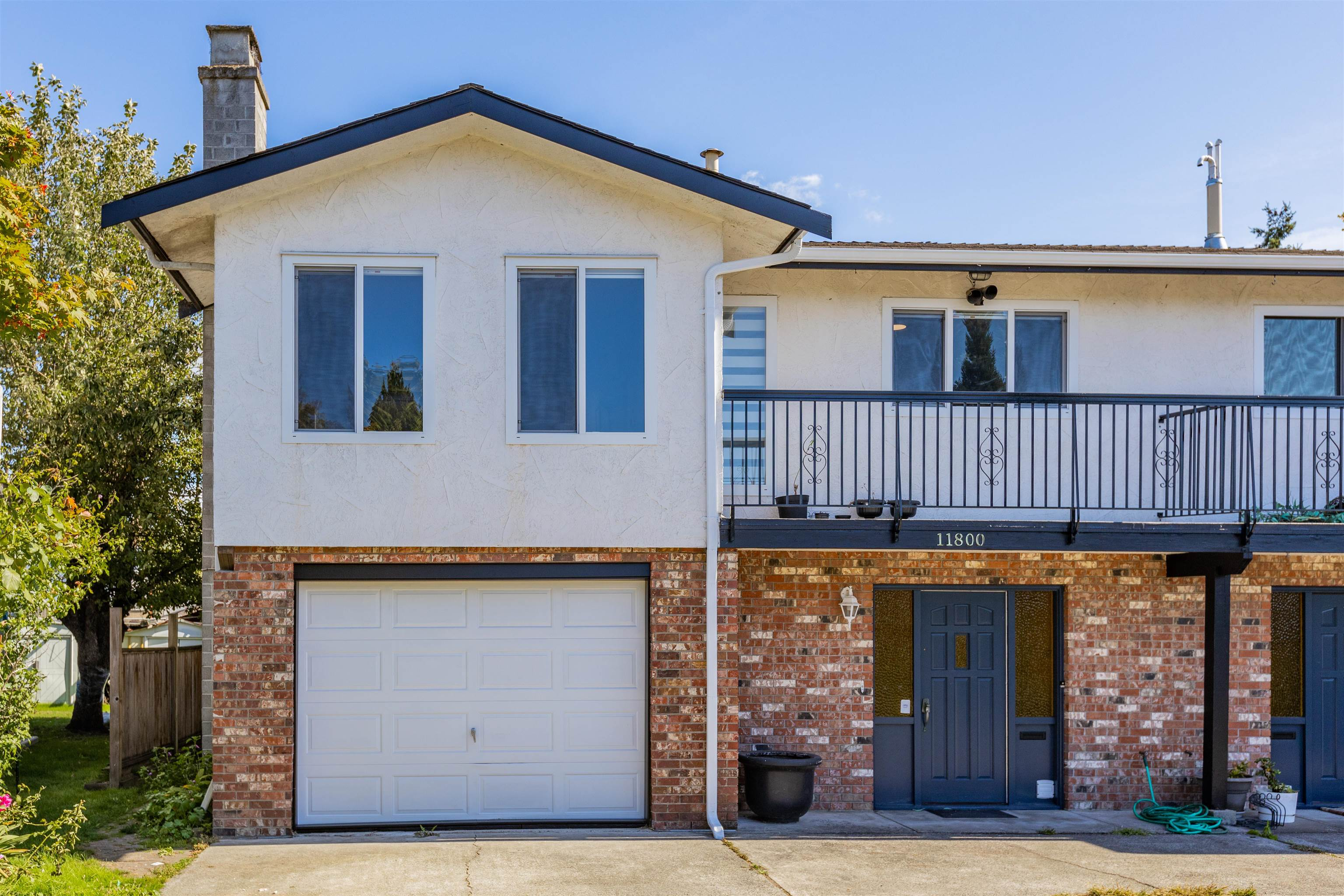 11800 SEATON ROAD - Ironwood 1/2 Duplex for sale, 4 Bedrooms (R2619334)