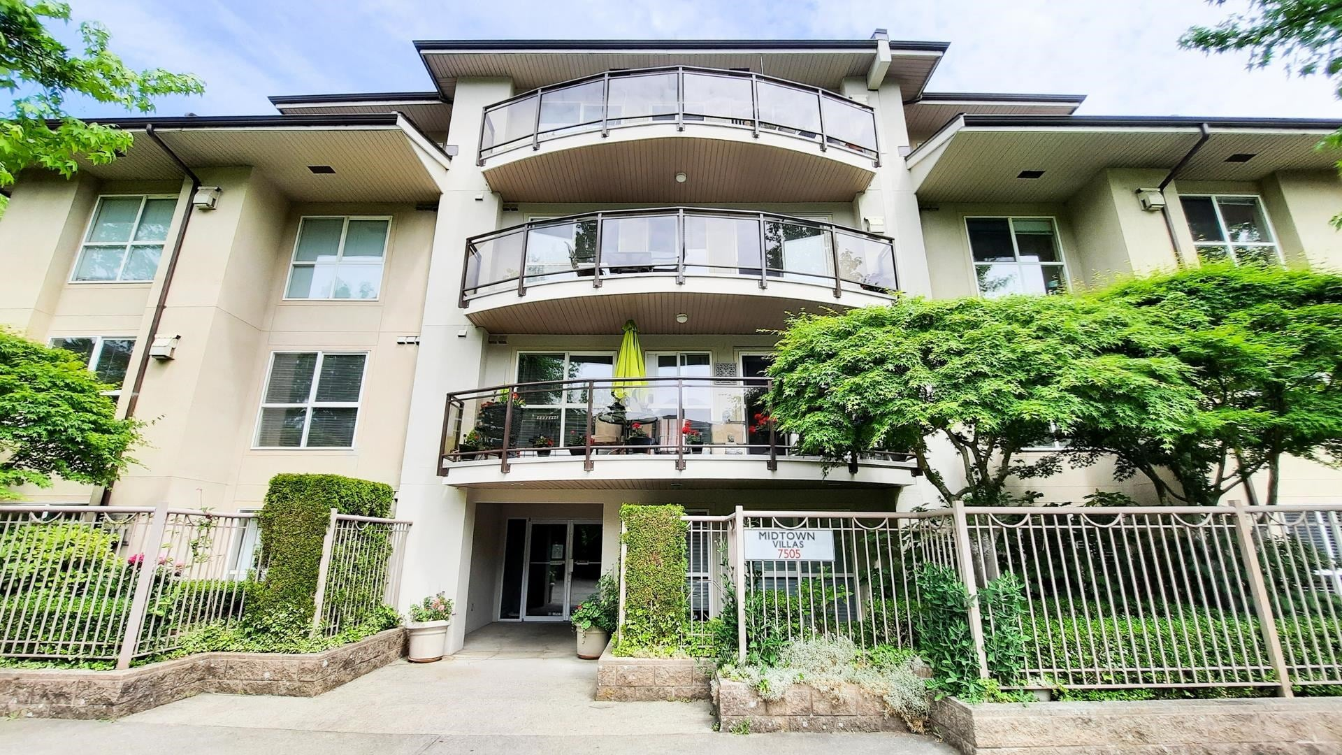 108 7505 138 STREET - East Newton Apartment/Condo for sale, 2 Bedrooms (R2619492)