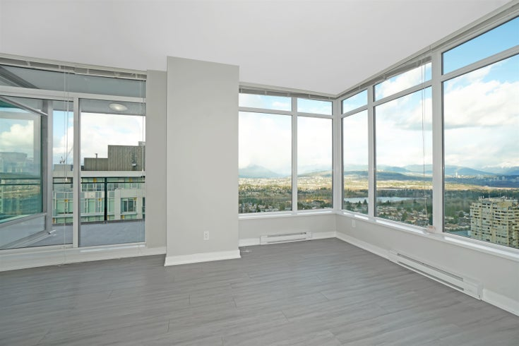 4005 4900 LENNOX LANE - Metrotown Apartment/Condo for sale, 2 Bedrooms (R2619526)