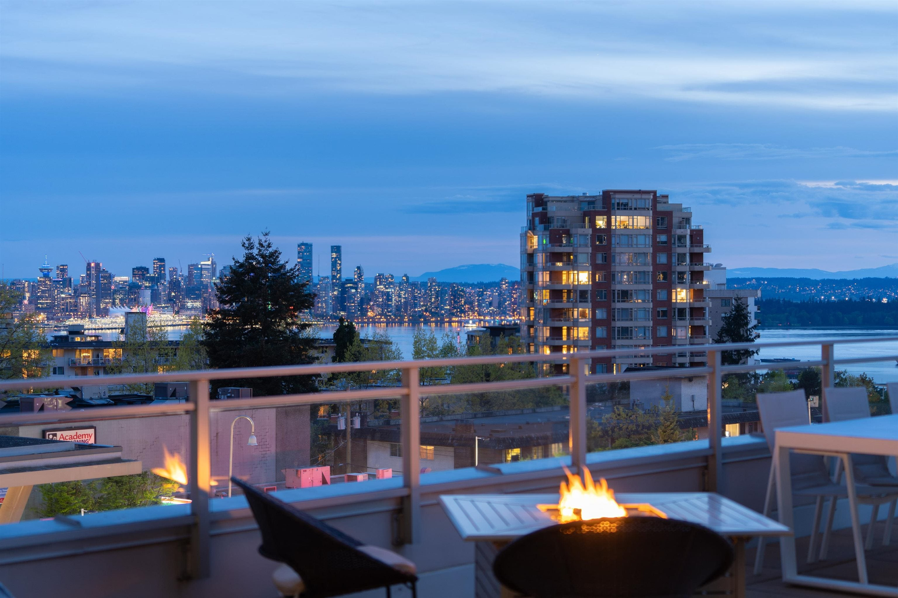306 112 E 13TH STREET - Central Lonsdale Apartment/Condo for sale, 2 Bedrooms (R2619655) - #2