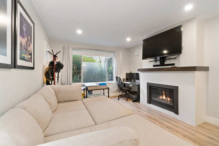 208 6742 STATION HILL COURT - South Slope Apartment/Condo for sale, 1 Bedroom (R2619927)