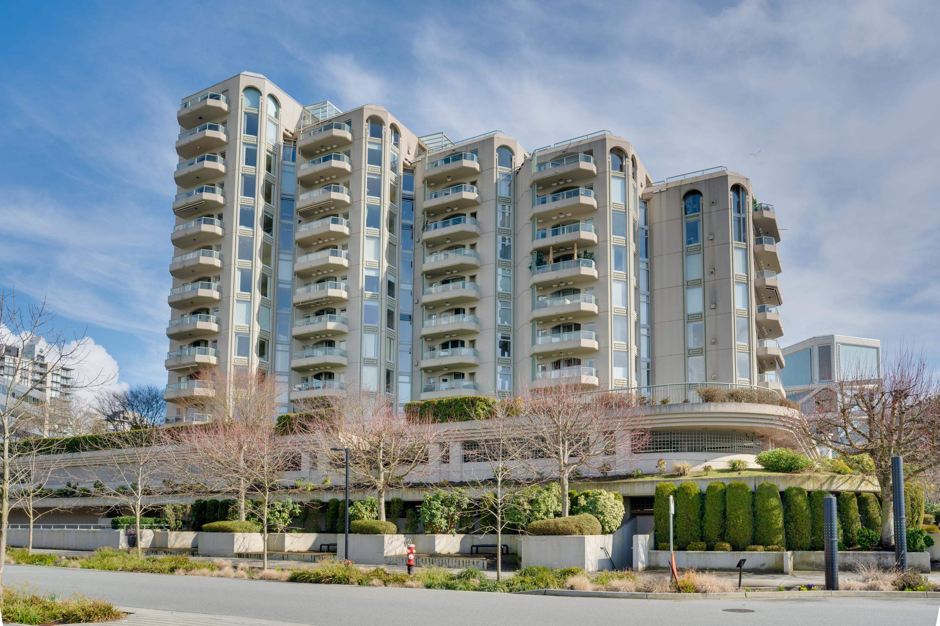 405 168 CHADWICK COURT - Lower Lonsdale Apartment/Condo for sale, 3 Bedrooms (R2619951) - #1