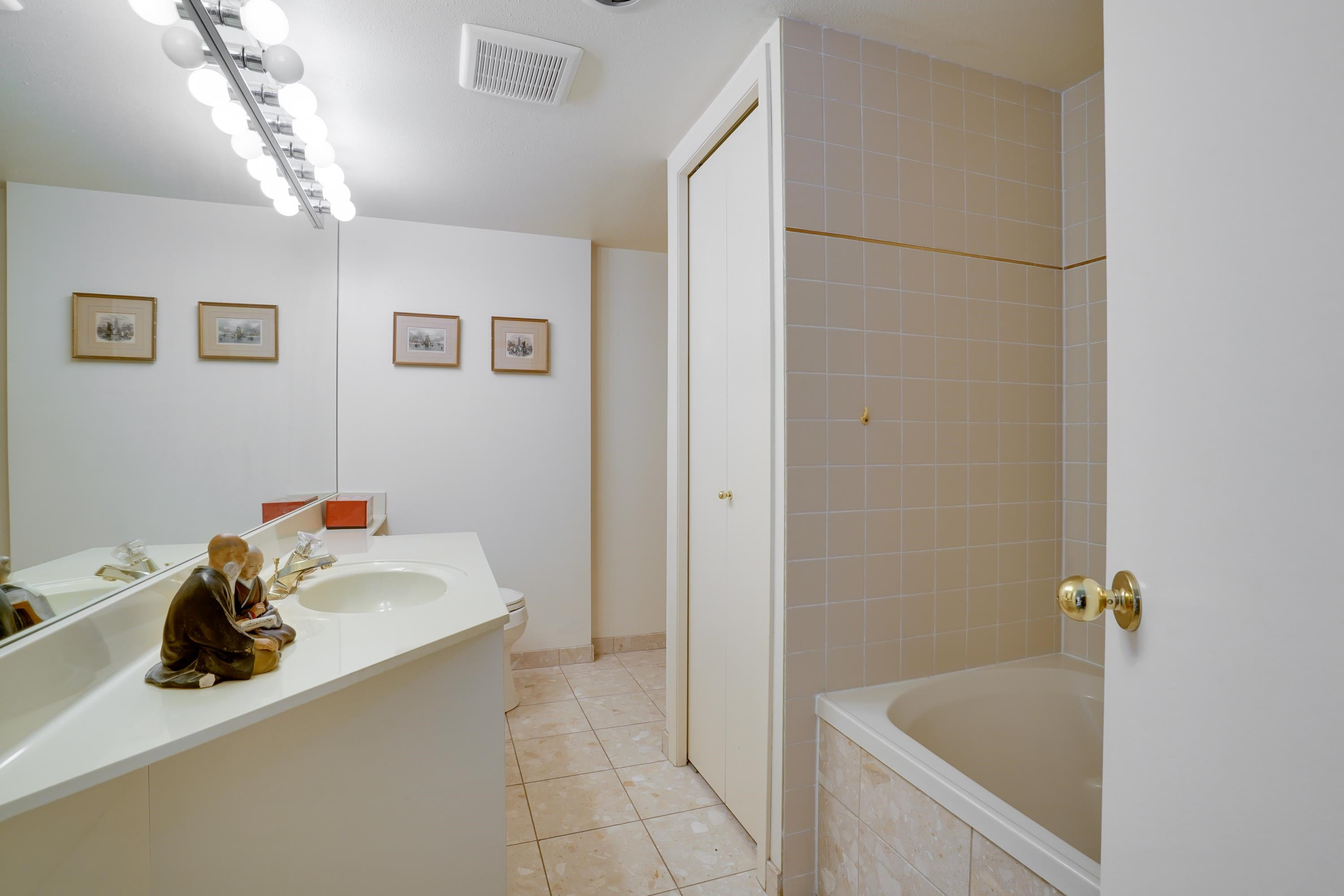 405 168 CHADWICK COURT - Lower Lonsdale Apartment/Condo for sale, 3 Bedrooms (R2619951) - #11