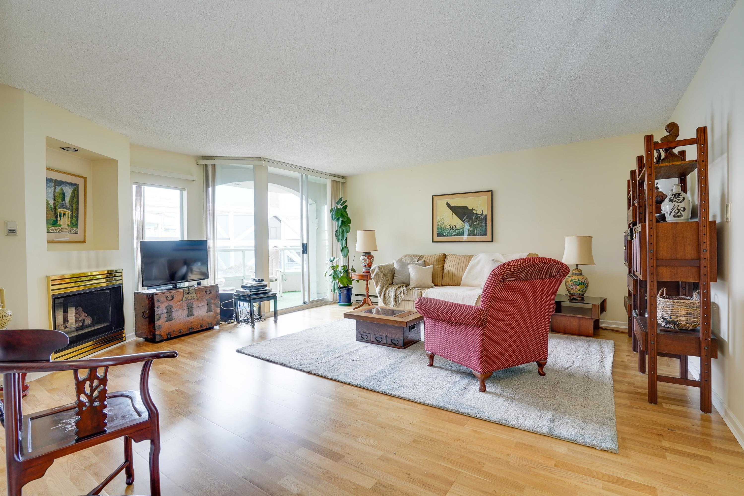 405 168 CHADWICK COURT - Lower Lonsdale Apartment/Condo for sale, 3 Bedrooms (R2619951) - #2