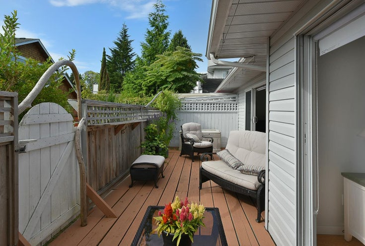 12 699 DOUGALL ROAD - Gibsons & Area Townhouse for sale, 1 Bedroom (R2620042)