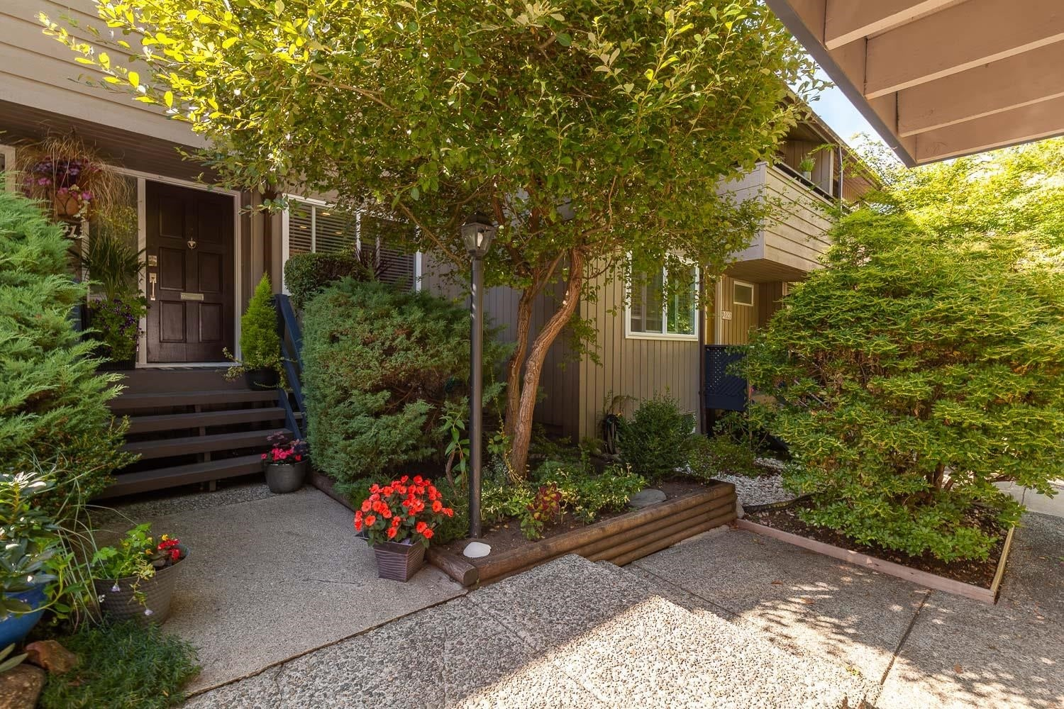 2391 MOUNTAIN HIGHWAY - Lynn Valley Townhouse for sale, 4 Bedrooms (R2620197) - #1