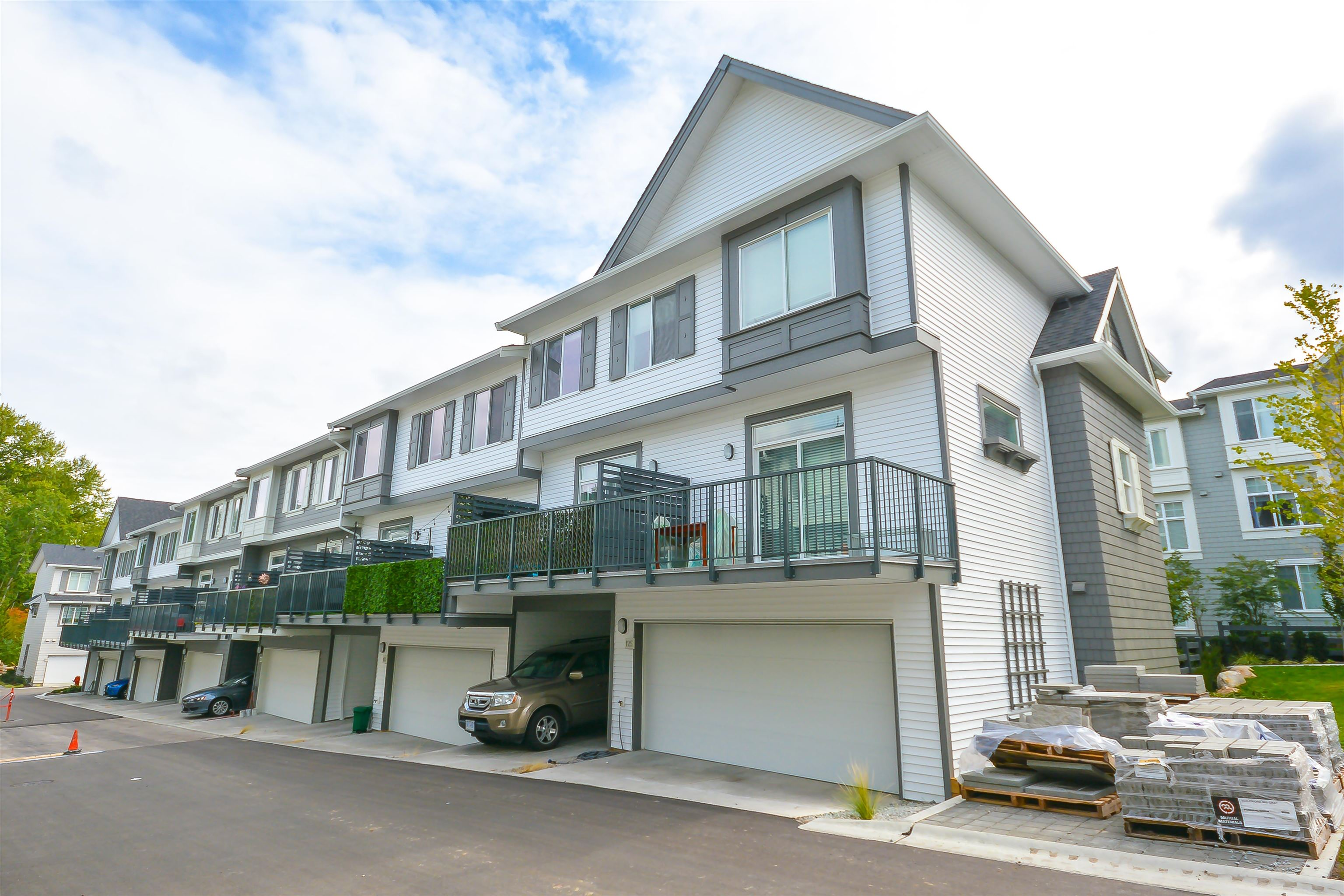 124 8168 136A STREET - Bear Creek Green Timbers Townhouse for sale, 4 Bedrooms (R2620266) - #1