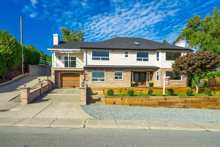 2215 ORCHARD DRIVE - Abbotsford East House/Single Family for sale, 5 Bedrooms (R2620334)