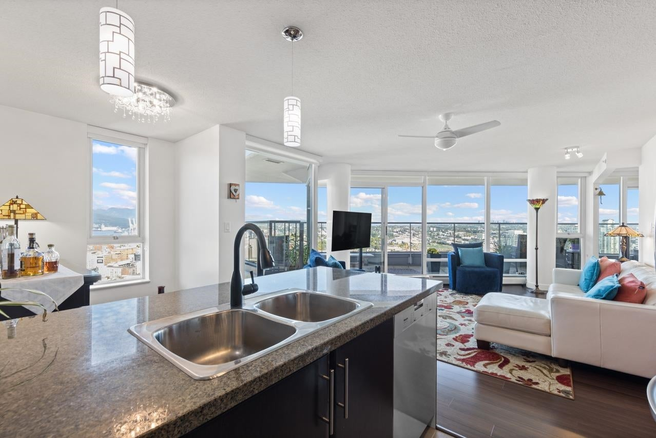 3306 688 ABBOTT STREET - Downtown VW Apartment/Condo for sale, 2 Bedrooms (R2620416) - #1