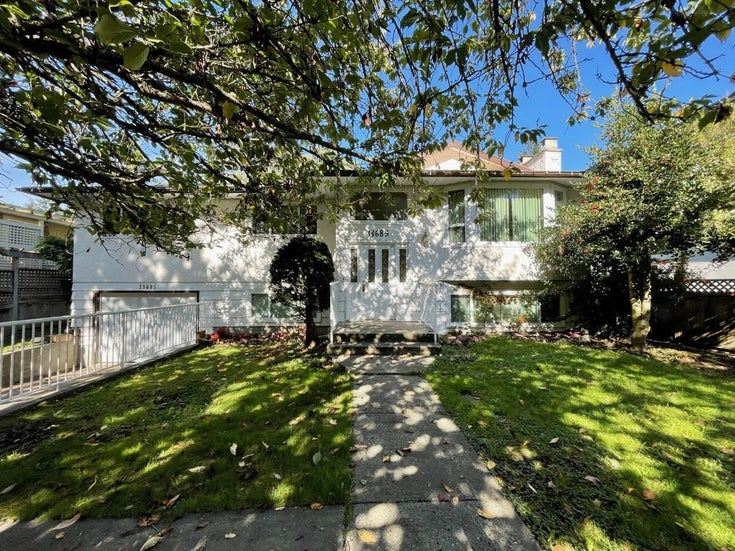 13685 BLACKBURN AVENUE - White Rock House/Single Family for sale, 3 Bedrooms (R2620507)