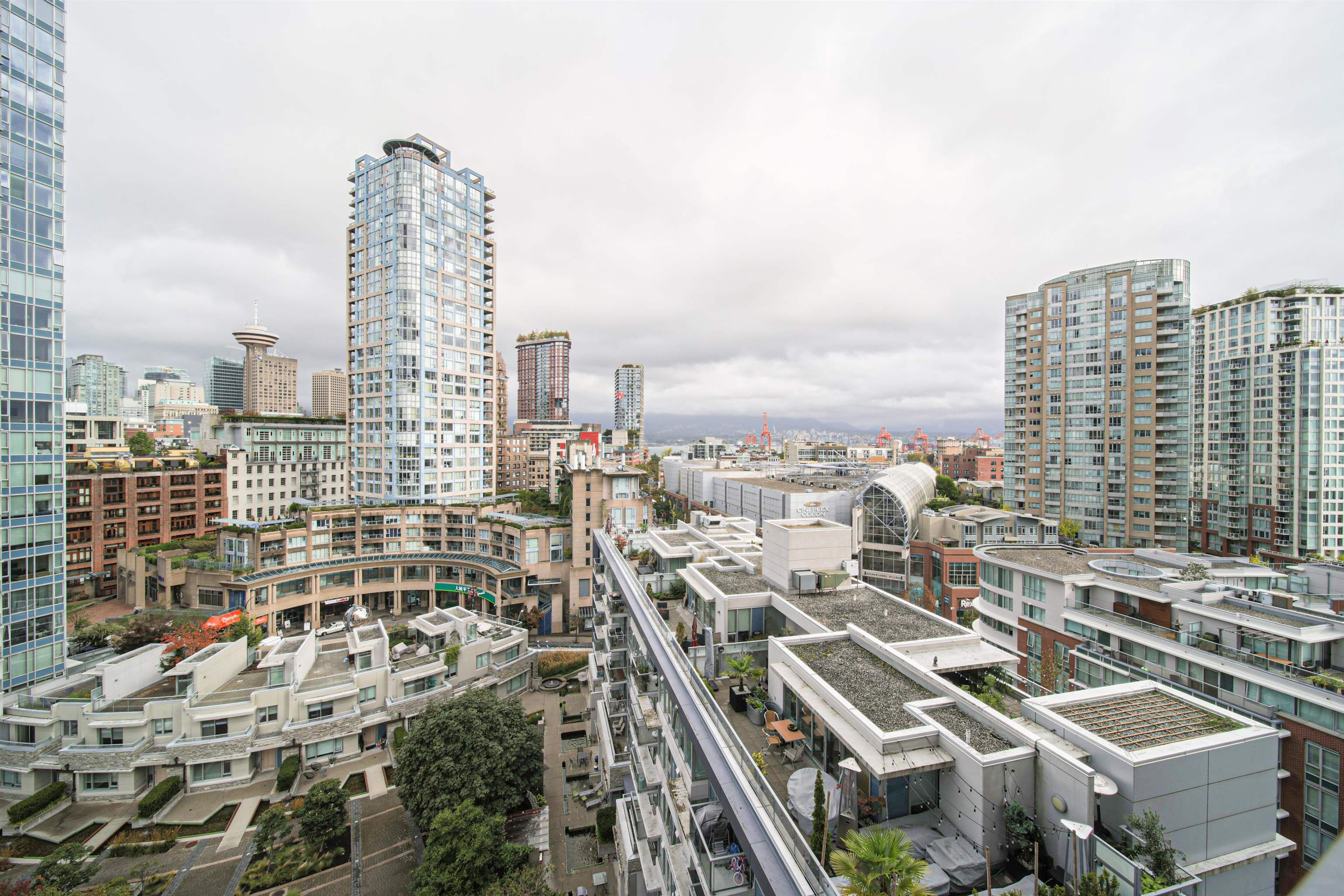 1501 689 ABBOTT STREET - Downtown VW Apartment/Condo for sale, 2 Bedrooms (R2620569) - #1