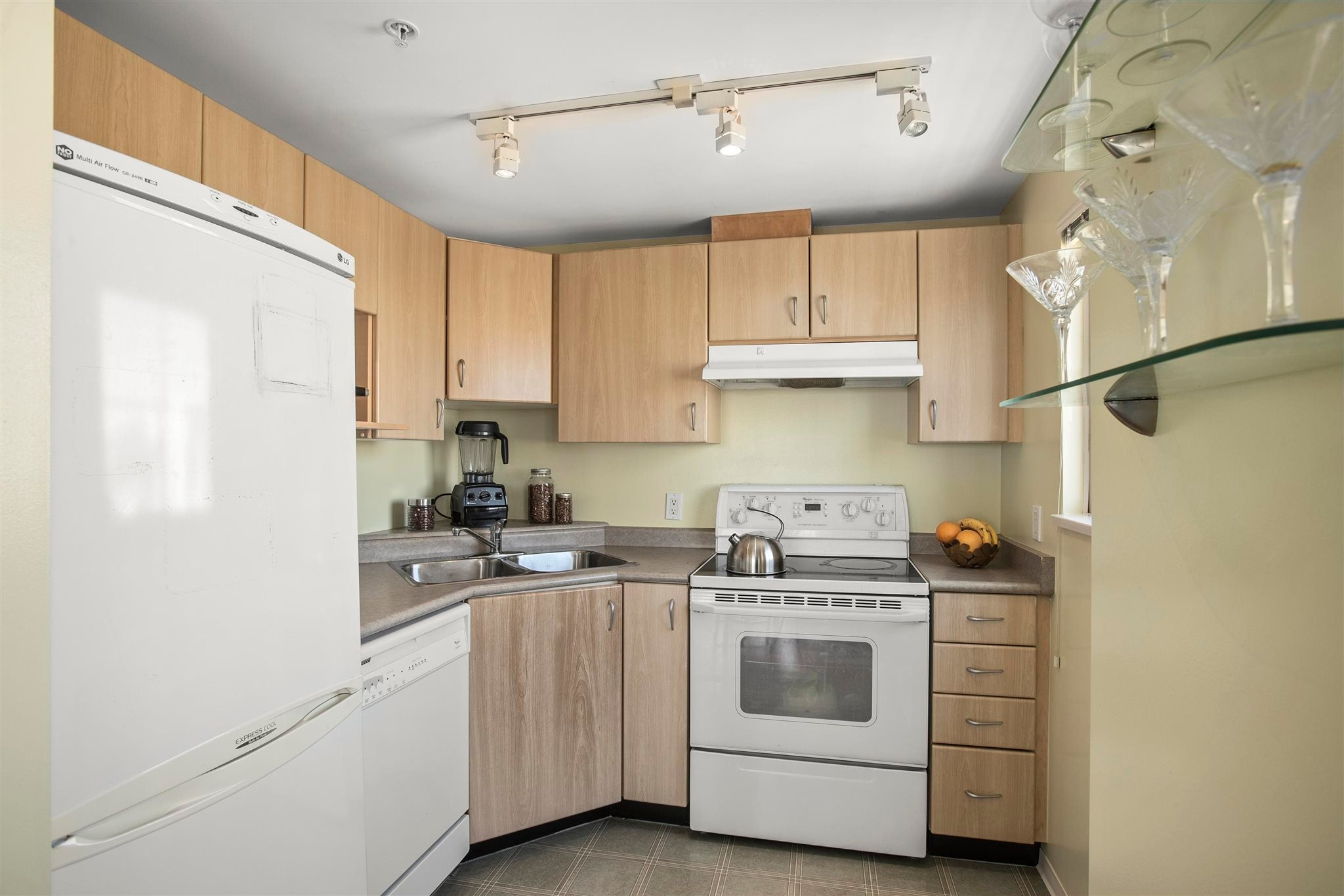 1103 121 W 15TH STREET - Central Lonsdale Apartment/Condo for sale, 1 Bedroom (R2620636) - #16
