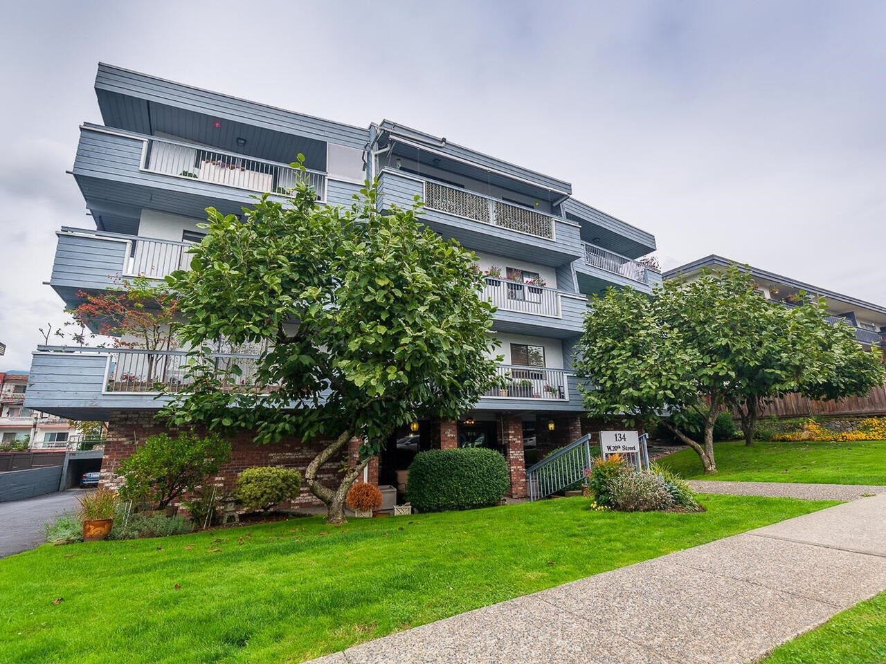 203 134 W 20TH STREET - Central Lonsdale Apartment/Condo for sale, 2 Bedrooms (R2620728)