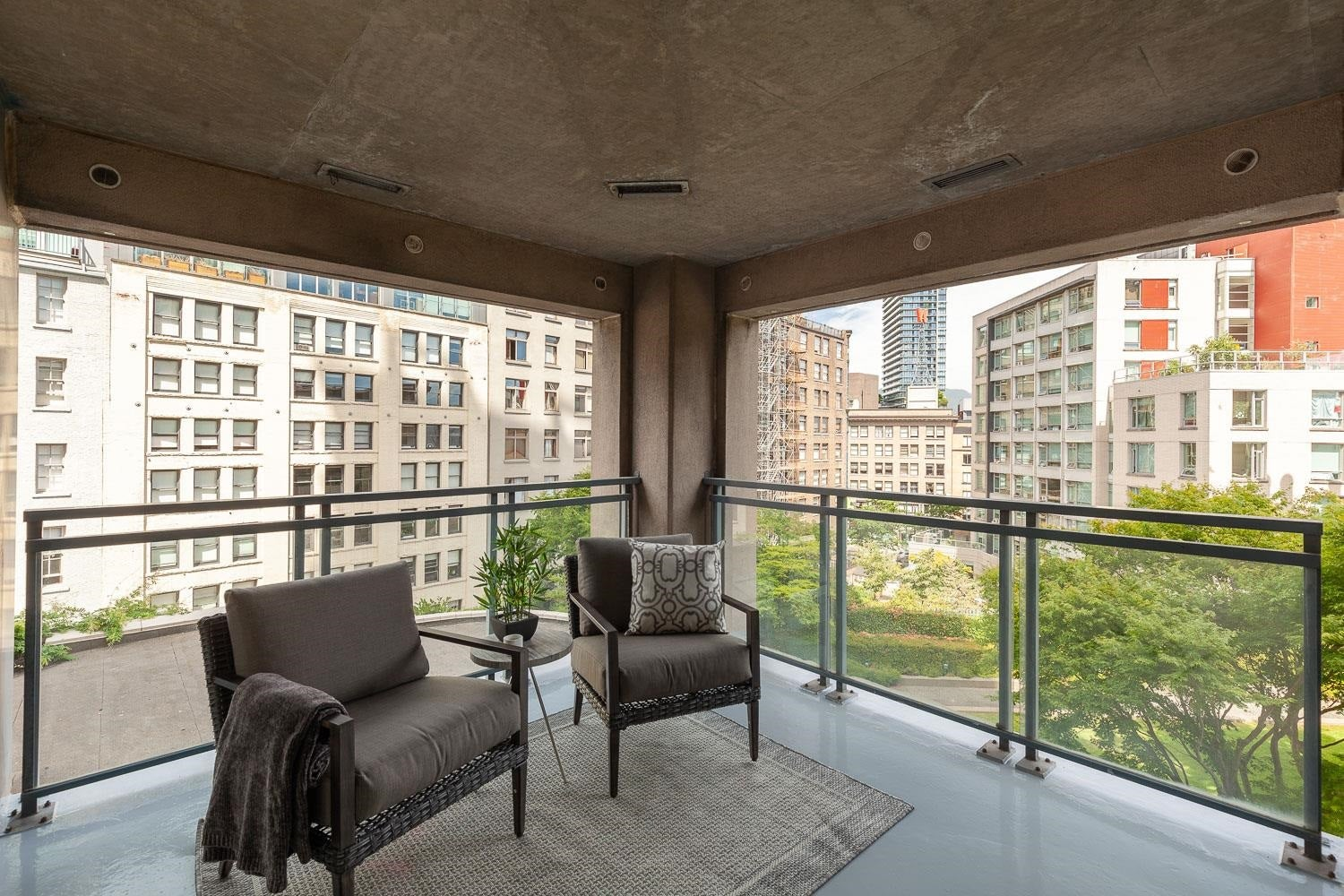602 183 KEEFER PLACE - Downtown VW Apartment/Condo for sale, 2 Bedrooms (R2620893) - #1