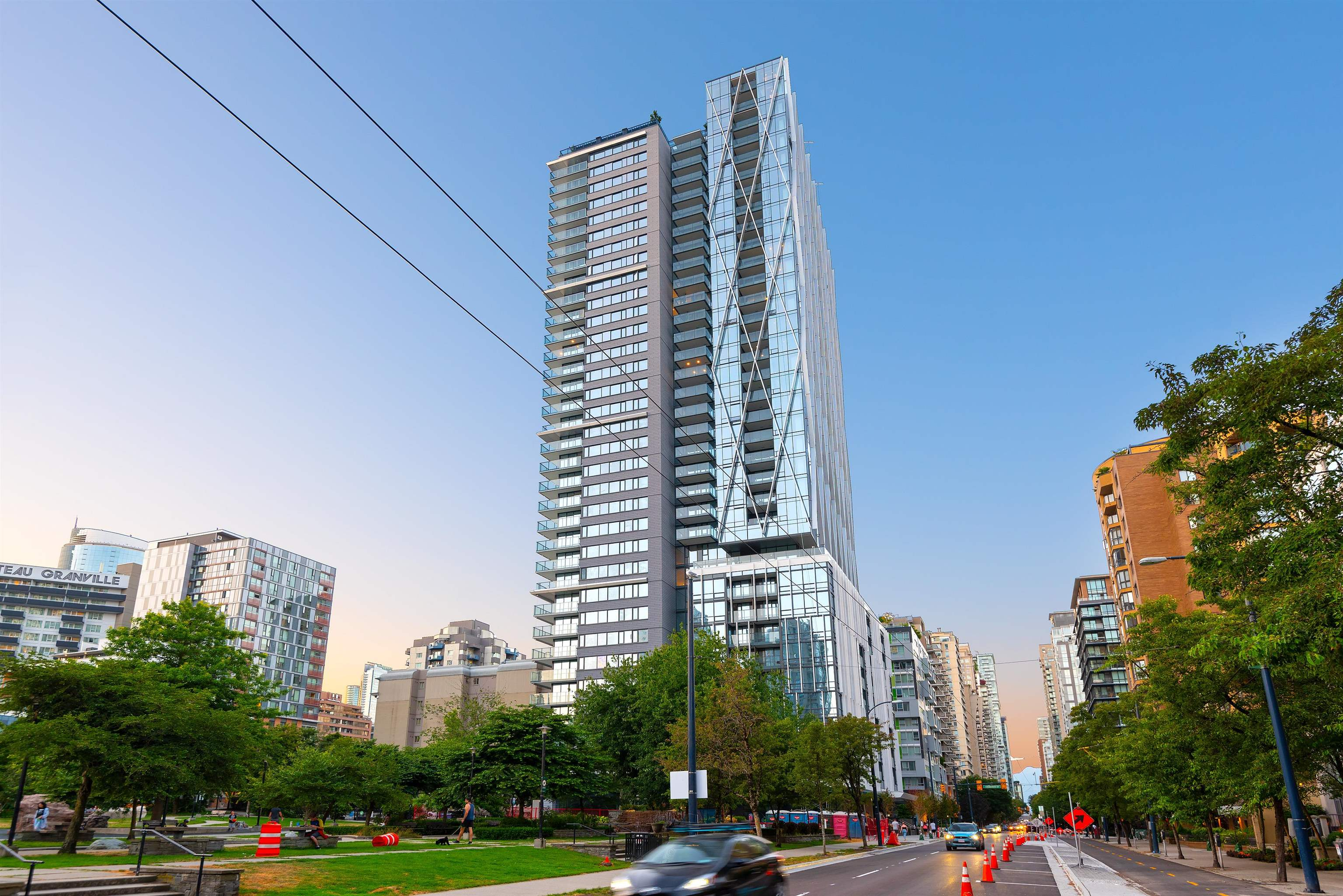 2003 1111 RICHARDS STREET - Yaletown Apartment/Condo for sale, 1 Bedroom (R2620918) - #1