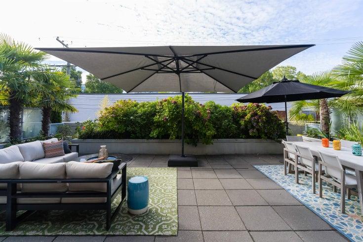 227 2008 PINE STREET - False Creek Apartment/Condo for sale, 2 Bedrooms (R2620920)