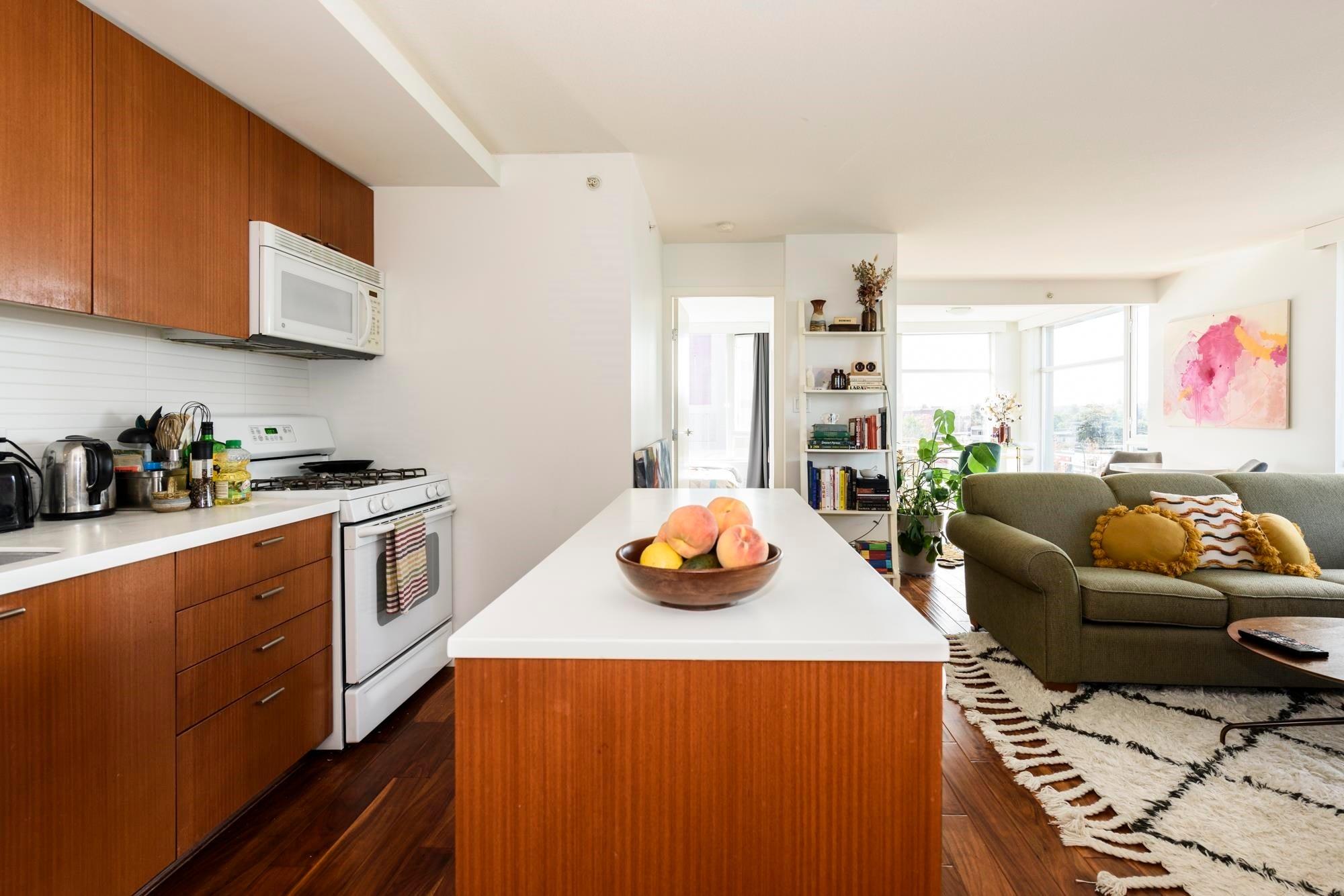 707 328 E 11TH AVENUE - Mount Pleasant VE Apartment/Condo for sale, 2 Bedrooms (R2621040) - #1