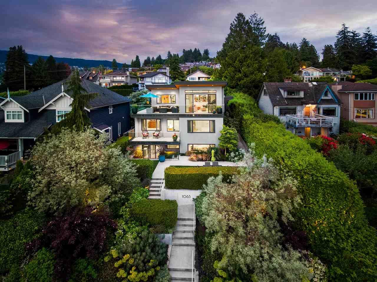 1063 ESPLANADE AVENUE - Park Royal House/Single Family for sale, 4 Bedrooms (R2621173) - #1