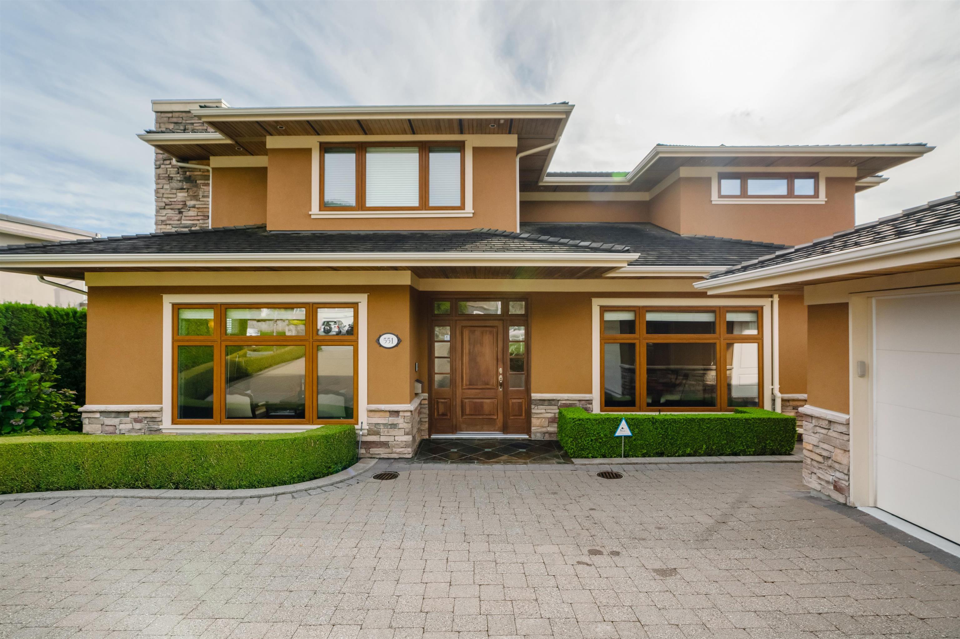551 SAVILLE CRESCENT - Upper Delbrook House/Single Family for sale, 7 Bedrooms (R2621224) - #1