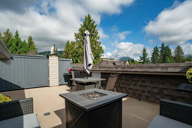 9 1027 LYNN VALLEY ROAD - Lynn Valley Townhouse for sale, 2 Bedrooms (R2621283)