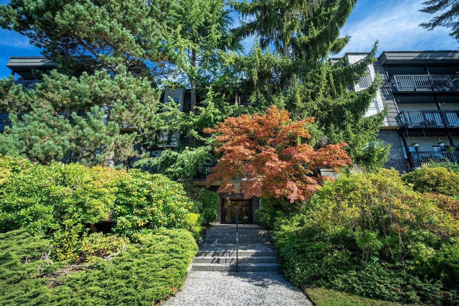 304 150 E 5TH STREET - Lower Lonsdale Apartment/Condo for sale, 2 Bedrooms (R2621286) - #1