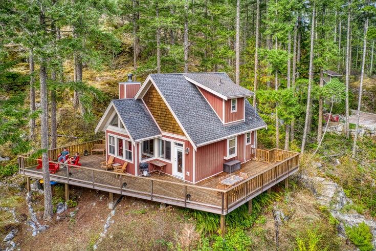 13555 LEE ROAD - Pender Harbour Egmont House/Single Family for sale, 2 Bedrooms (R2621432)