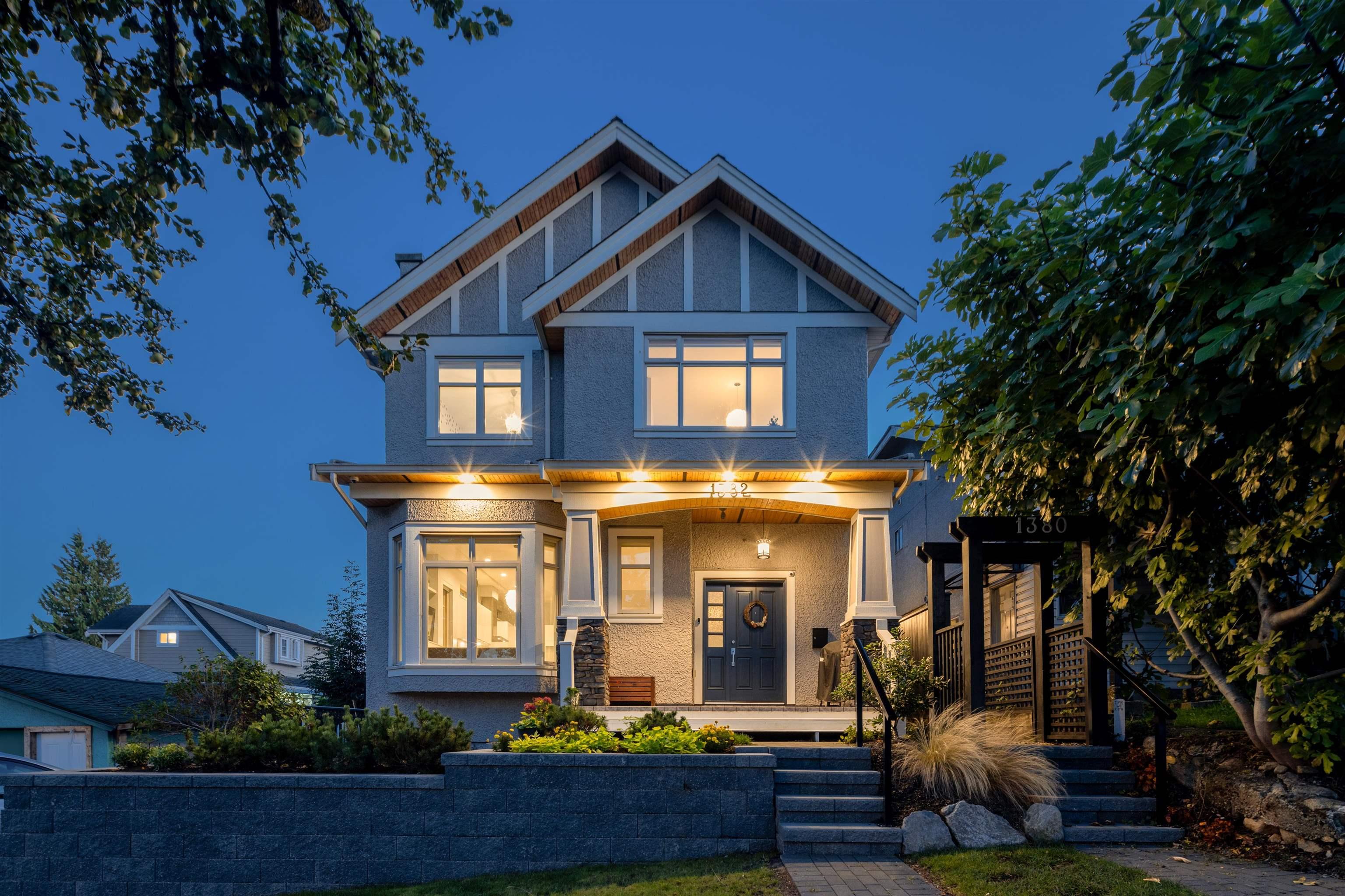 1382 E 17TH AVENUE - Knight 1/2 Duplex for sale, 3 Bedrooms (R2621483) - #1
