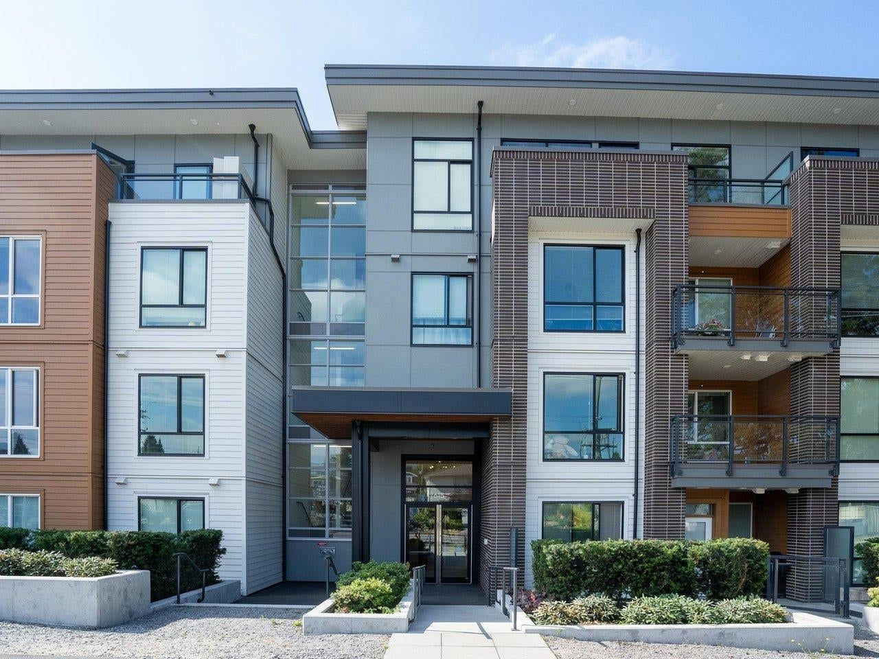 409 615 E 3RD STREET - Lower Lonsdale Apartment/Condo for sale, 2 Bedrooms (R2621616) - #1