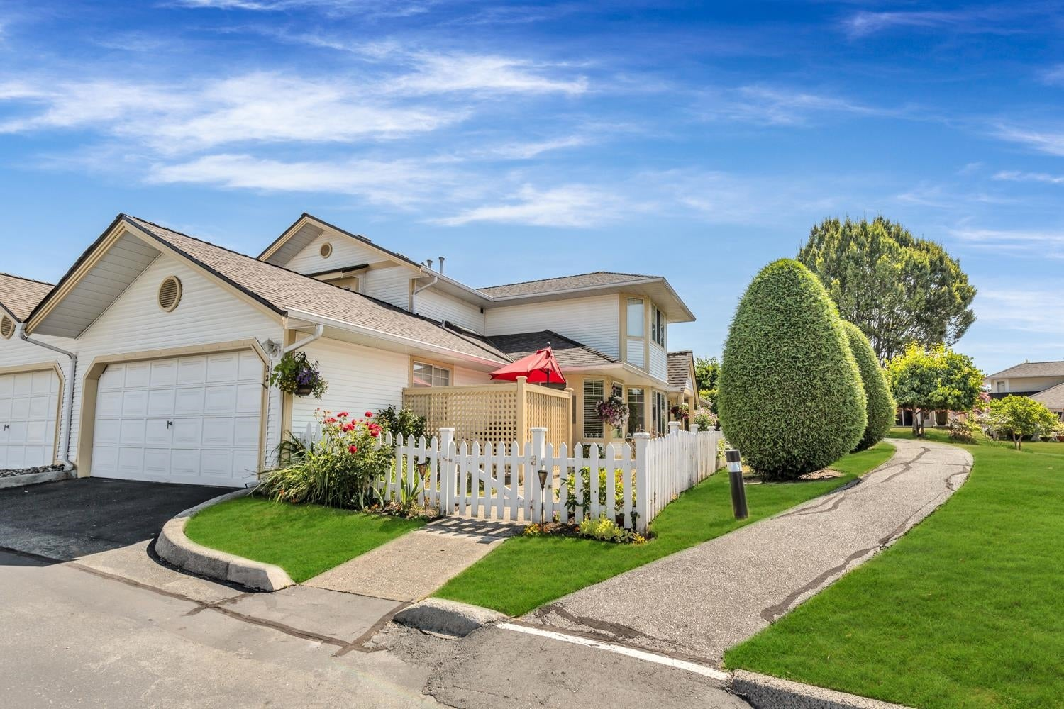 33 21138 88 AVENUE - Walnut Grove Townhouse for sale, 3 Bedrooms (R2621665) - #1