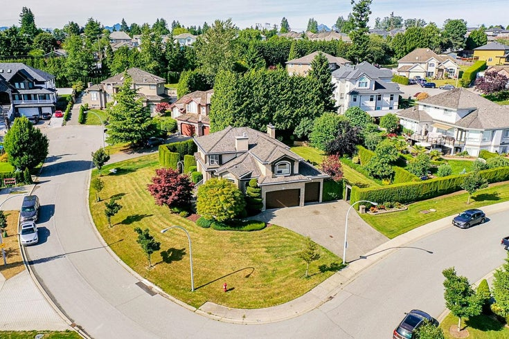 18467 55 AVENUE - Cloverdale BC House/Single Family for sale, 7 Bedrooms (R2622057)