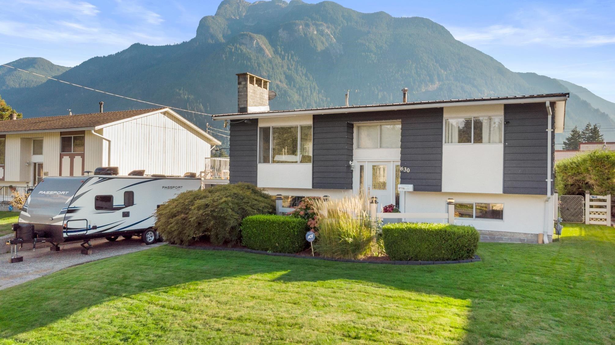 630 THACKER AVENUE - Hope Center House/Single Family for sale, 3 Bedrooms (R2622239) - #1