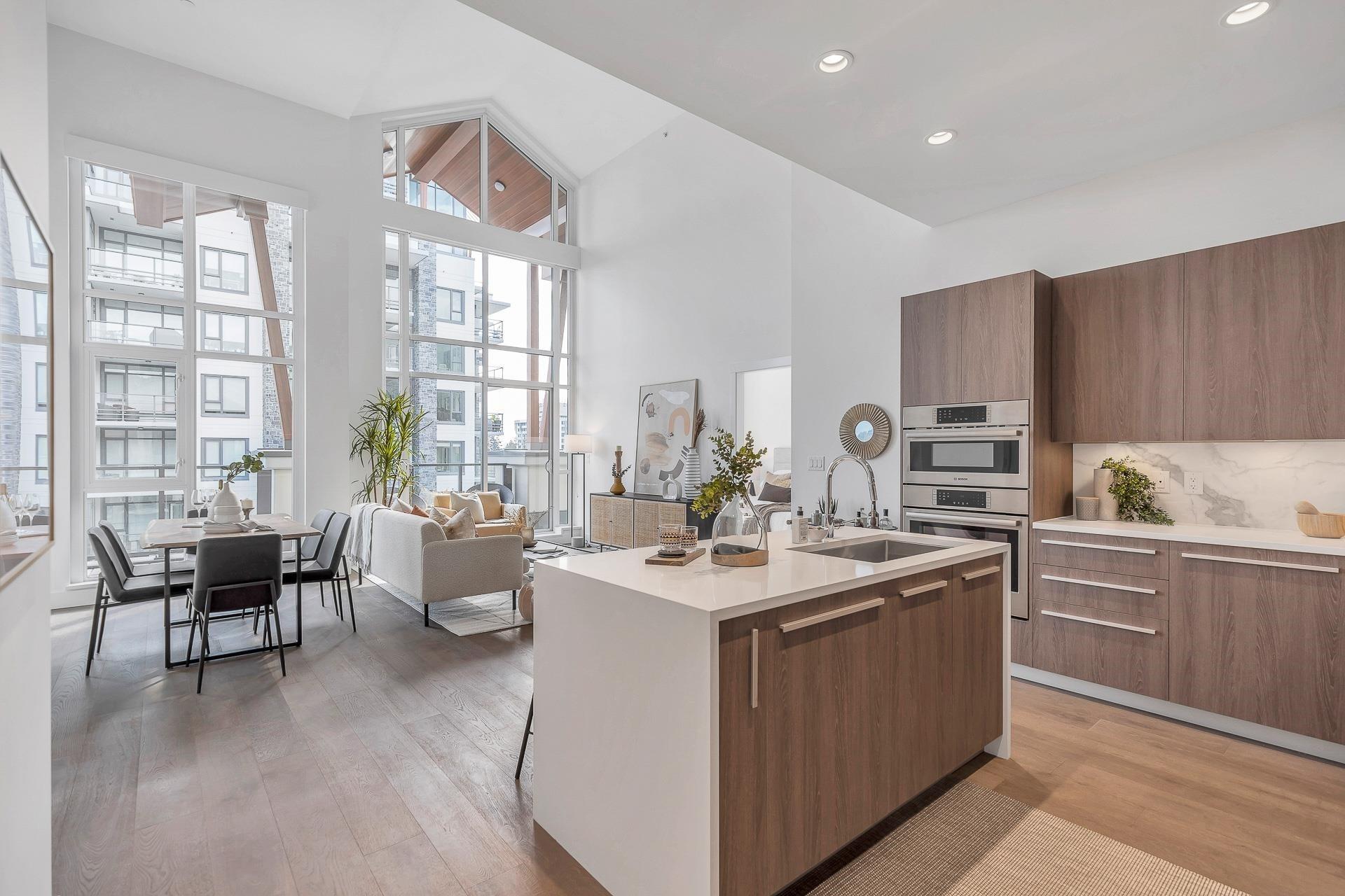 702 2780 VALLEY CENTRE AVENUE - Lynn Valley Apartment/Condo for sale, 3 Bedrooms (R2622279)