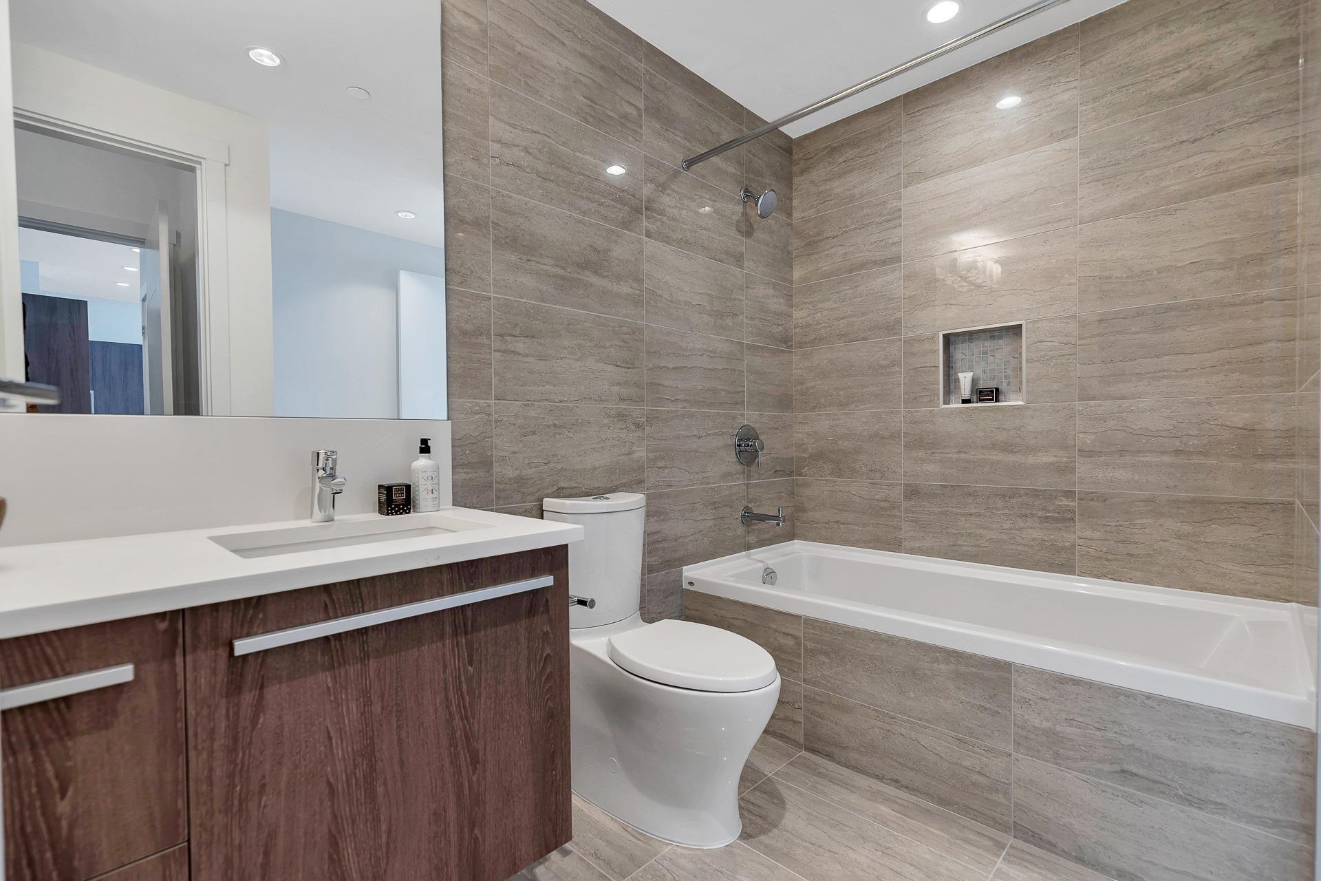 702 2780 VALLEY CENTRE AVENUE - Lynn Valley Apartment/Condo for sale, 3 Bedrooms (R2622279) - #20